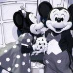 """東京ディズニーランドレギュラーショー""""ワンマンズドリームII""""15年の歴史に幕。会場周辺にはあふれんばかりのファンが詰めかける"""