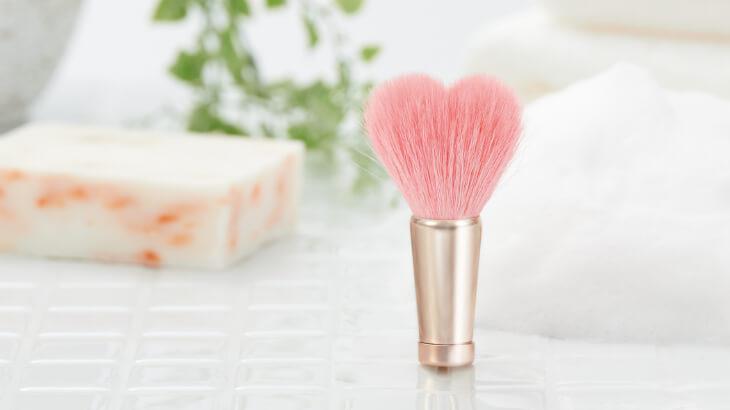 洗顔のたびにときめく♡ハート型の最高級ブラシ『熊野筆 フェイスウォッシュブラシ』発売♡