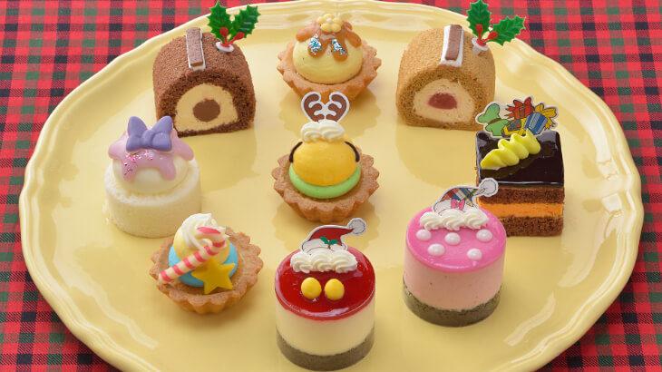 銀座コージーコーナー、12/1よりサンタ帽をかぶったミッキーなどクリスマスモチーフのプチケーキセットを発売
